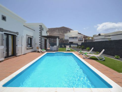 Villa mit Pool in Playa Blanca L-018